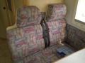 Sitzgruppe mit alten Polstern 1